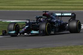 How do teams develop a Formula one car?