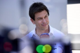 Mercedes team boss wants 30 cars on the F1 grid again