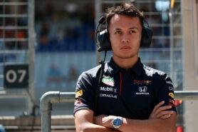 Albon says F1 cockpit talks for next year begin now