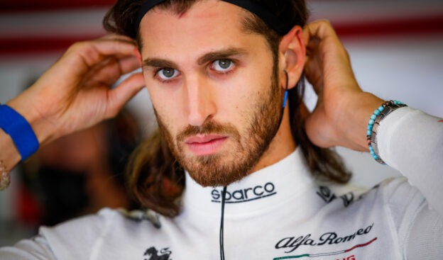 Italian government called upon to keep Giovinazzi in F1 next season